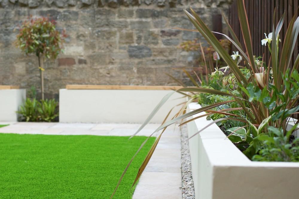 artificial grass services Edinburgh, garden design Scotland, Edinburgh lawn services.