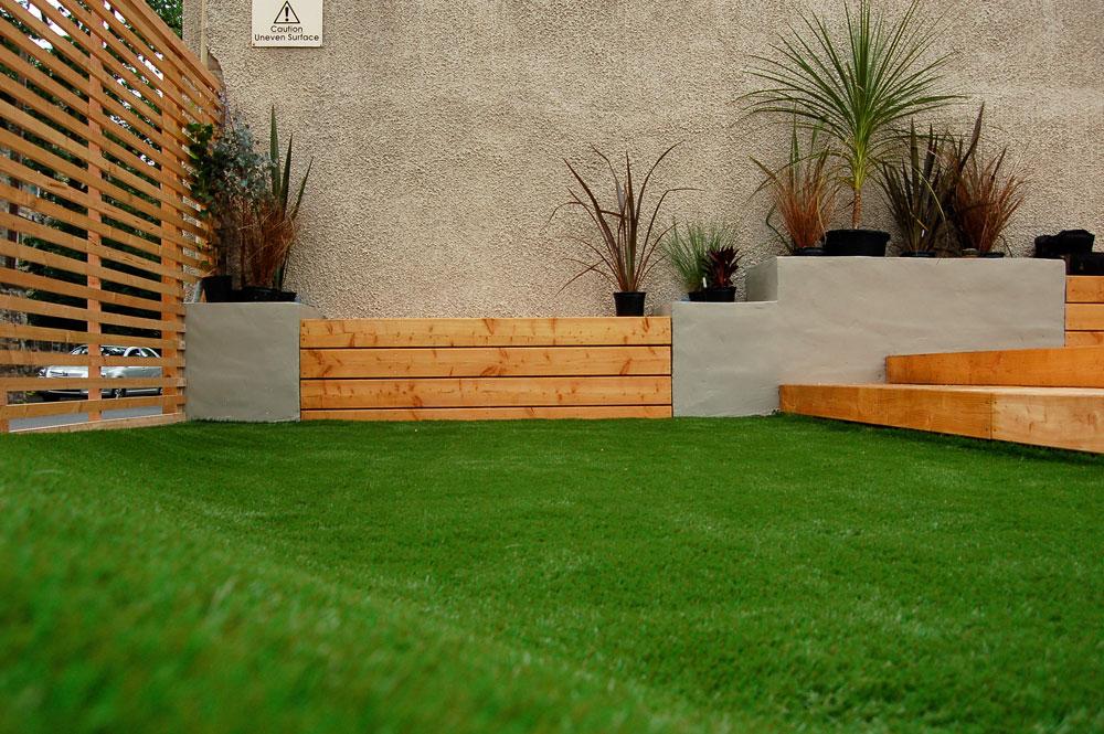 Paul Church Gardens, Artificial Grass